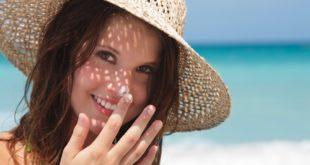 Bôi kem chống nắng để bảo vệ làn da nám